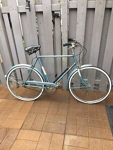 Vintage Raleigh Sports 3 Speed Cruiser