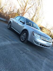 2009 Ford Taurus AWD limited low kms $3000 OBO