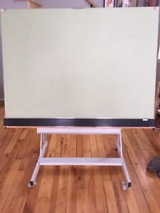 Table a dessin / drawing table $150