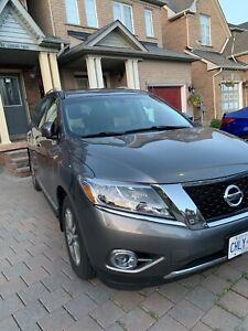 2016 Nissan Pathfinder. Top end model. No accidents