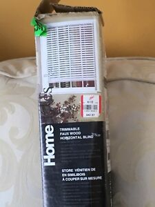 Faux wood blinds - white