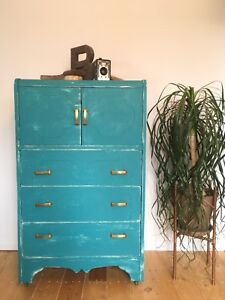 Commode/armoire shabby-chic rustic vintage turquoise