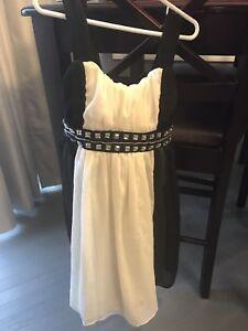 Girls fancy dress - size 8