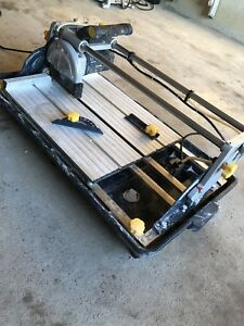 Sliding Wet Tile Saw (Mastercraft)