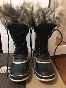 Sorel Joan of Arctic Black boots