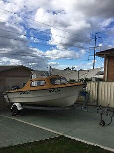 Fishing boat ‭‭‬‬ St Andrews Campbelltown Area Preview