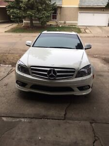 2009 Mercedes C350 4matic with warranty!