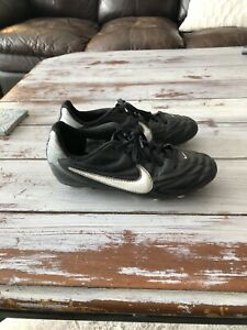 Youth size 2 Nike Soccer cleats