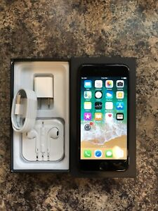 Unlocked 10/10 Condition iPhone 7 32GB with Box & Accessories