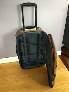 Carry on luggage suitcase for $20 Kitchener / Waterloo Kitchener Area image 3