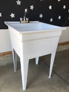 Freestanding Polypropylene Laundry/utility  sink with Faucet