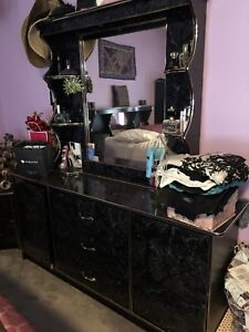 5 Piece Bedroom Set plus TV Stand with TV
