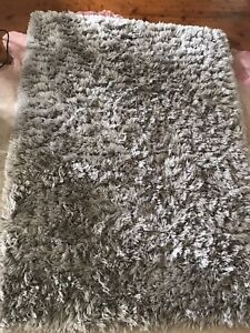Shaggy rug vgc