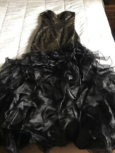 Dress for sale $300 or your best offer