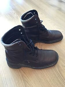 Dr. Martens brown women's boots - USA size 9