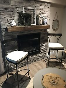 2 BAR STOOLS FOR SALE.