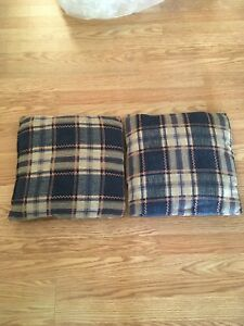 2 Plaid Couch/Throw pillows
