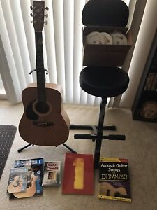 Art & Lutherie left handed guitar and accesseries