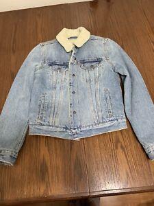 Levi's denim jacket/ jean jacket