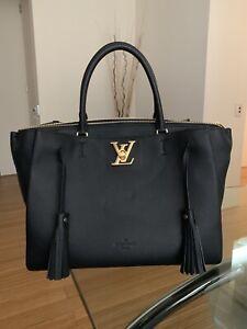 Louis Vuitton Lockmeto great condition