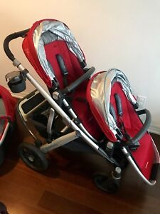 Likes new condition UPPAbaby vista double + accessories