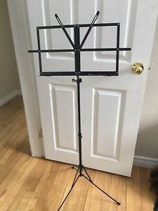 Yorkville music stand (adjustable and compact)
