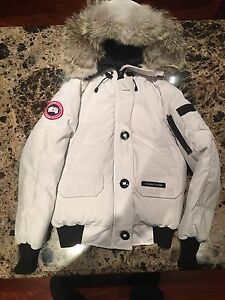 Real Canada Goose taille small tres propre nego