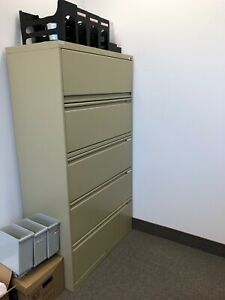 1 Filiere 5 tiroirs/ Filing Cabinet 5 drawers