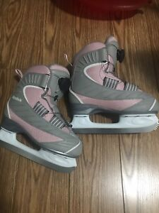 Skates excellent condition used only twice