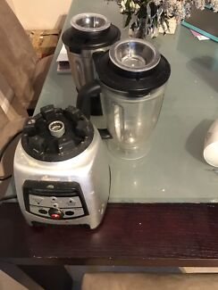Blender with 2 jugs