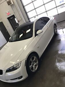 2009 BMW 328xi coupe White/Red interior - Great Condition