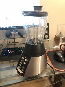 Oster 600w 6 cup blender