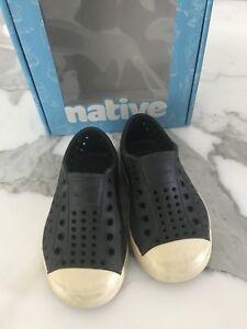 48bc129ea1709b Toddler size 7 black native shoes