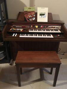 Yamaha Electric Organ C-405 C- 605