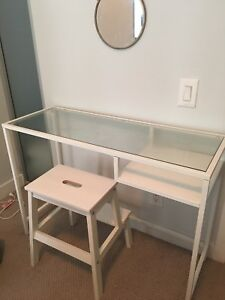 Make up table and stool