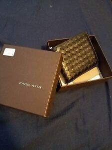 Bottega Veneta men bi -fold wallet