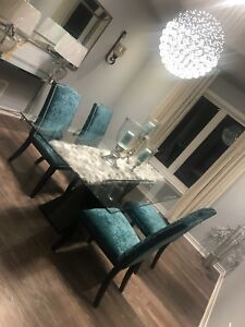 Beautiful modren dining table set with 6 chairs