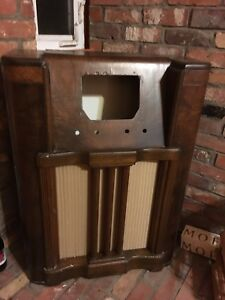 Old fashioned Radio (Wood shell only - no radio components)