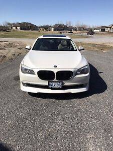 2009 BMW 750I EXCELLENT CONDITION, 2 SETS OF RIMS AND TIRES