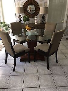 Dining Table w/ 6 Dining Chairs