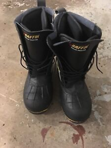 Baffin Steel-toe winter boots size 10