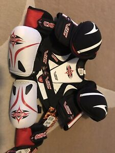 Vic EX20 junior shoulder pads and  CX20 elbow pads