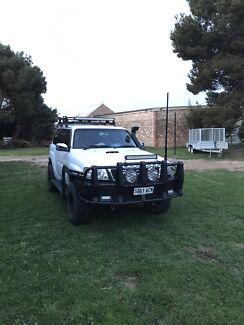Nissan Patrol ST 4x4