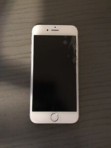 iPhone 6 minor crack