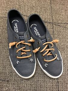 Sperry - Women's size 5-5.5 US
