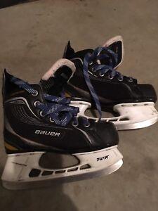 Kids hockey skates