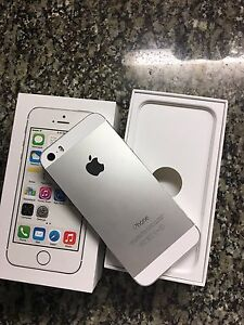 IPHONE 5s  32gb ROGERS IN BRAND NEW CONDITION (LOCAL SALE ONLY)