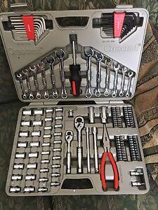 New 122pc tool set