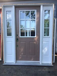 Double sidelight with door and frame