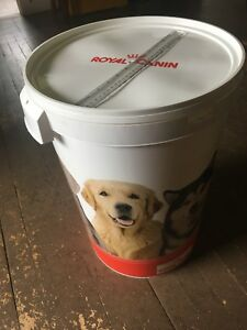 45 L Dog Food Bucket